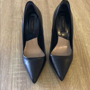 🚚 Zara Stiletto Heels - Black